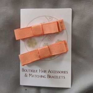 Other - 🎀 Peach Textured Bow Covered Clips🎀3/$10